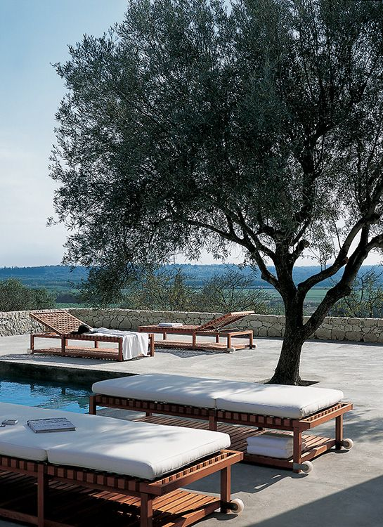 Chaise longue e lettini da esterno imola marocchi design for Design dello spazio esterno